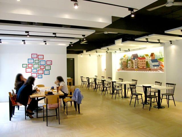 2樓的空間非常寬闊,座位也很多-思默好時-台中咖啡館