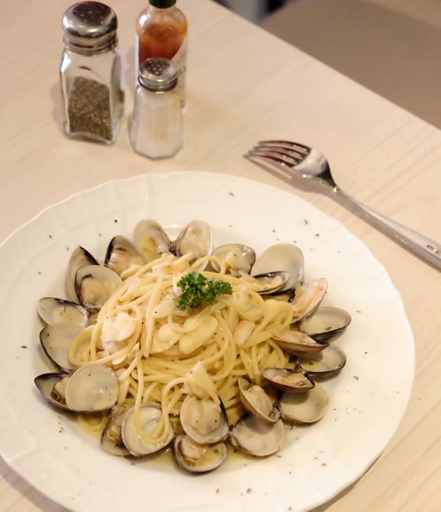 蒜香白酒蛤蜊義大利麵-Lazy sun Cafe