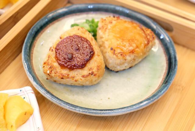 我比較喜歡紅味噌,鹹度較高-TSUJIRI辻利茶舗松山車站旗艦店